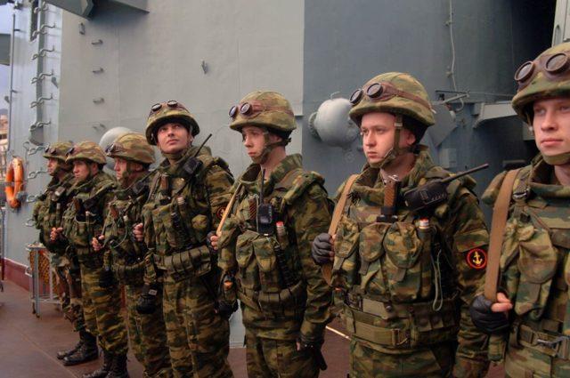 Плюсы и минусы службы по контракту - стоит ли идти в армию